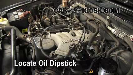 Oil filter change nissan pathfinder 1996 2000 1998 for Nissan pathfinder motor oil