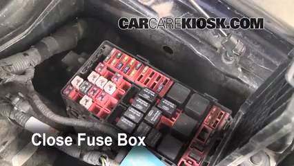 replace a fuse 1997 2004 ford f 150 2000 ford f 150 xlt 4 6l v8 2004 F150 Fuse Box 6 replace cover secure the cover and test component 2004 f150 fuse box