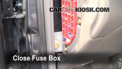 ubicaci u00f3n de caja de fusibles interior en ford ranger 1998