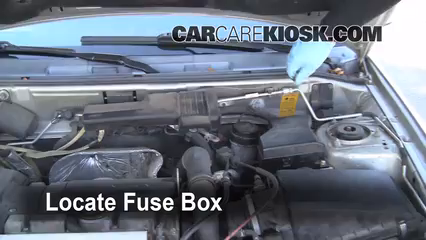 replace a fuse 2000 2004 volvo s40 2000 volvo s40 1 9l 4 cyl turbo