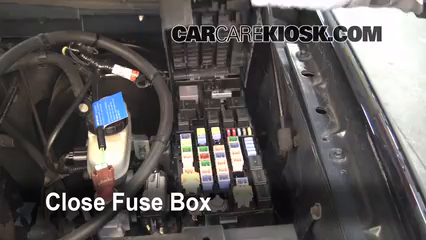 Replace a Fuse 2002 2005 Ford Explorer 2002 Ford