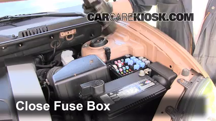 replace a fuse 2001 2006 hyundai santa fe 2003 hyundai santa fe 6 replace cover secure the cover and test component