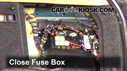 Land Rover Discovery Fuse Box also Land Rover Discovery Fuse Box further Defender Under Bon  Fuse Box further Land Rover Discovery Fuse Box likewise  on land rover defender 300tdi fuse box diagram
