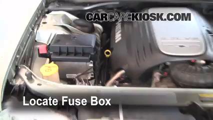 replace a fuse 2005 2010 chrysler 300 2005 chrysler 300 2006 chrysler 300 radio fuse box #8