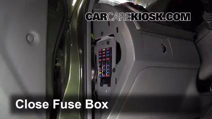 2005 Suzuki Forenza LX 2.0L 4 Cyl. Wagon%2FFuse Interior Part 2 interior fuse box location 2005 2008 suzuki reno 2006 suzuki,3 Cylinder Suzuki Swift Fuse Box