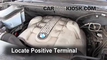 How to Jumpstart a 20002006 BMW X5  2006 BMW X5 44i 44L V8