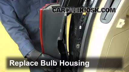 Tail Light Change 2007 2014 Cadillac Escalade 2008