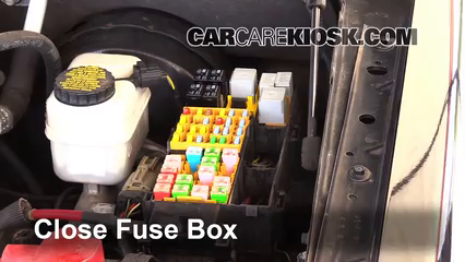 Ford Explorer Sport Trac Xlt L V Ffuse Engine Part on 2002 Ford Explorer Fuse Box Diagram