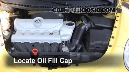 Oil & Filter Change Volkswagen Beetle (2006-2010) - 2008 Volkswagen Beetle S 2.5L 5 Cyl. Hatchback