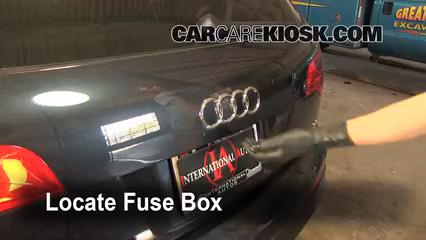 Blown Fuse Check 2007-2015 Audi Q7 - 2009 Audi Q7 Premium 3.6L V6