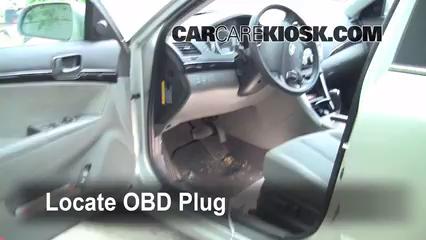 Obd Plug on 2006 Hyundai Elantra Fuse Box Location
