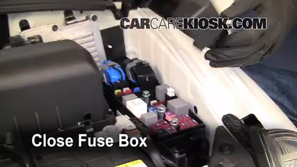 Blown Fuse Check 2006-2014 Kia Sedona - 2010 Kia Sedona LX ...