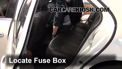 interior fuse box location 2004 2009 cadillac srx 2004. Black Bedroom Furniture Sets. Home Design Ideas