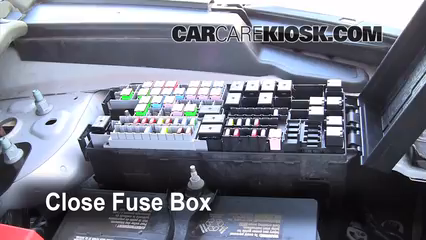 replace a fuse 2011 2016 ford explorer 2011 ford explorer xlt 6 replace cover secure the cover and test component