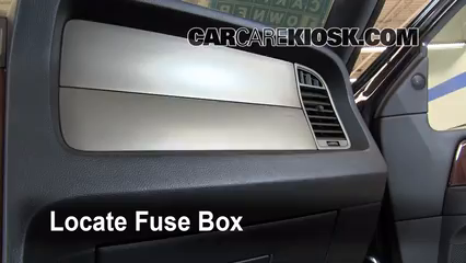 interior fuse box location 2003 2016 lincoln navigator 2011 lincoln navigator l 5 4l v8 flexfuel. Black Bedroom Furniture Sets. Home Design Ideas