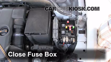 blown fuse check 2011 2016 volkswagen jetta 2011 volkswagen 6 replace cover secure the cover and test component