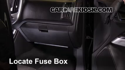 interior fuse box location 2004 2012 chevrolet colorado. Black Bedroom Furniture Sets. Home Design Ideas
